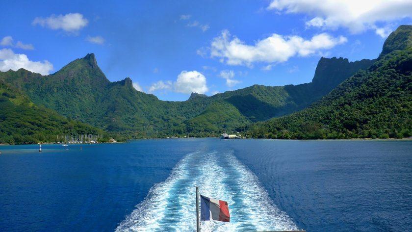 Découvrir les merveilles naturelles de la Polynésie française en bateau : 4 escales incontournables