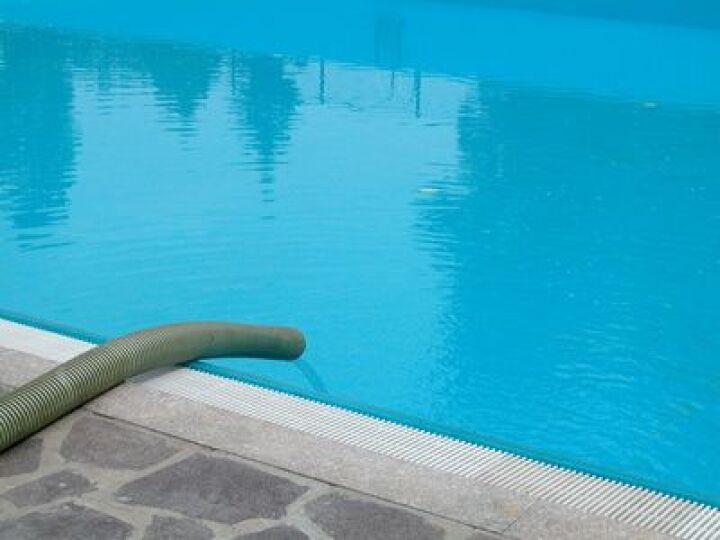 Une fuite dans votre piscine : quelles solutions